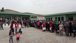 προσφυγες -καταυλισμός Σχιστού20160313_142549