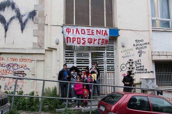 Γ. Καμίνης: Γιατί « δεν ιδρώνει το αφτί» της κυβέρνησης με τις καταλήψεις των κτιρίων ;