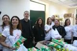 Τρόφιμα σε άπορες οικογένειες από τον Δήμο Πειραιά