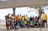Οι πολίτες του Ελληνικού καθάρισαν την παραλία τους