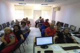 Μαθήματα εξοικείωσης με τις νέες τεχνολογίες για ηλικιωμένους στα ΚΑΠΗ Λάρισας