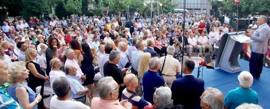 Τη «μεγάλη ανατροπή» υποσχέθηκε για την Αθήνα ο Πατούλης .Ξεκίνησε την προεκλογική εκστρατεία από τα Πετράλωνα