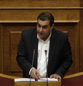 Ο βουλευτής της ΝΔ Κώστας Κατσαφάδος μιλά στην Βουλή κατά την συζήτηση των προγραμματικών δηλώσεων της κυβέρνησης, Κυριακή 8 Ιουλίου 2012. Ολοκληρώνονται με την ονομαστική ψηφοφορία τα μεσάνυχτα οι τριήμερες προγραμματικές δηλώσεις της κυβέρνησης Σαμαρά στην Ολομέλεια της Βουλής.  ΑΠΕ-ΜΠΕ/ΑΠΕ-ΜΠΕ/ΑΛΚΗΣ ΚΩΝΣΤΑΝΤΙΝΙΔΗΣ