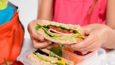 Ξεκίνησαν τα  δωρεάν γεύματα σε μαθητές του Δήμου Ηρακλείου