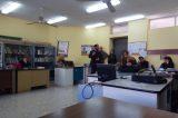 Περιόδευσε σε σχολεία ο Σιδέρης στο Περιστέρι