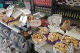 Τρόφιμα σε οικογένειες του Βύρωνα από τον Ελληνικό Ερυθρό Σταυρό