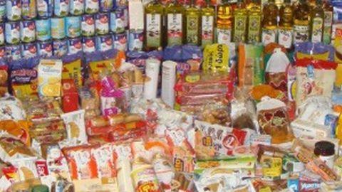 Διανέμει τρόφιμα ο δήμος Ιλίου