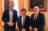 Επενδύσεις στην Αθήνα θέλουν οι κινέζοι .Τον Μπακογιάννη επισκέφθηκε  ο πρόεδρος της τέταρτης μεγαλύτερης τράπεζας παγκοσμίως