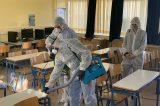 Επικίνδυνες οι απολυμάνσεις στα σχολεία , σύμφωνα με το δήμαρχο Νικαίας. Επικαλείται την υπουργό Παιδείας. Τότε γιατί οι άλλοι δήμοι κάνουν;